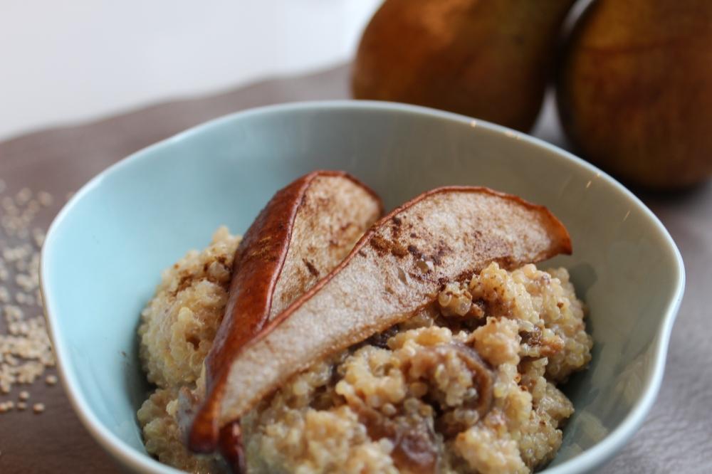 Zimt-Quinoa mit Birnen